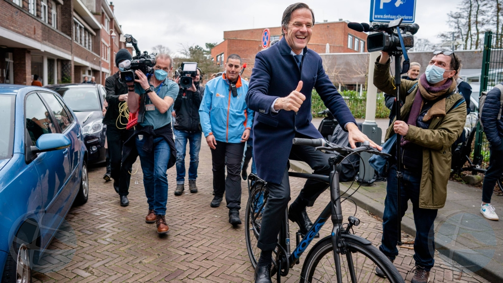 Homber di 22 aña na Amsterdam deteni pa intento di asesina Premier Hulandes Rutte