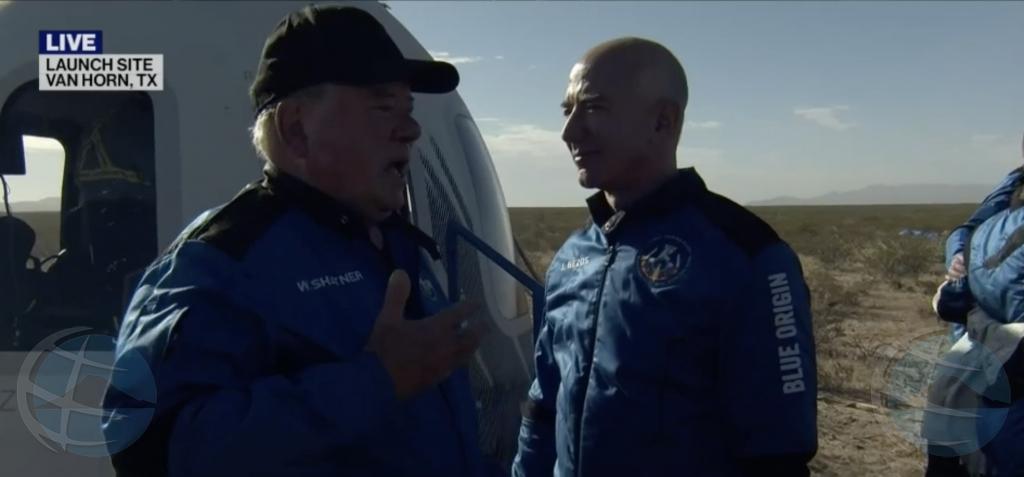 Un William Shatner emocional a gracidi Jeff Bezos pa su minutnan den espacio